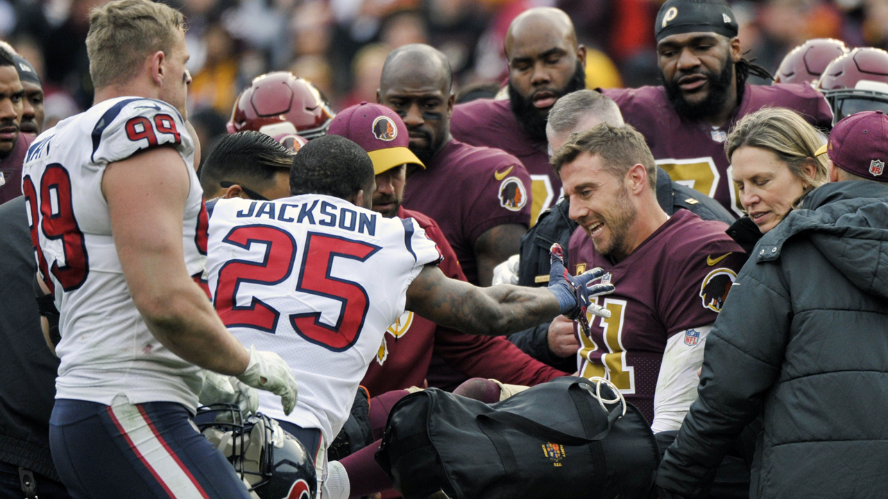 Washington Redskins' Alex Smith needed 17 surgeries on leg while recovering from injury: report