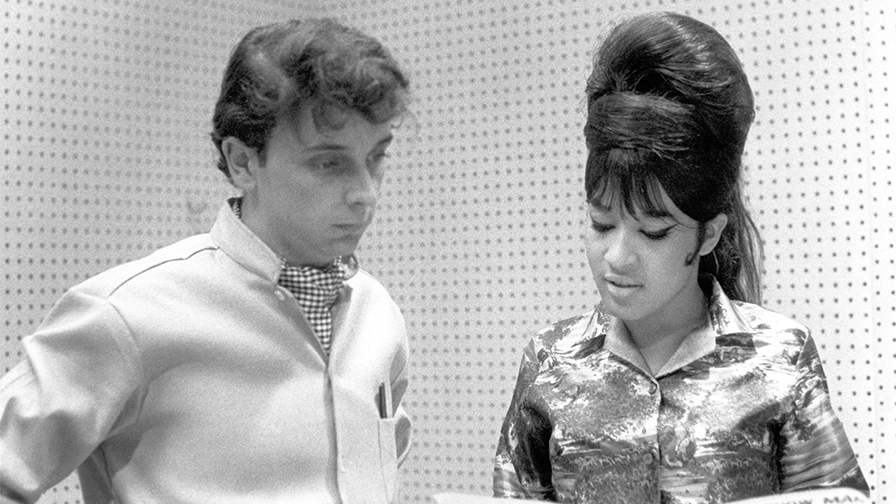 Ronnie Spector reacts to Phil Spector's death: 'He was a brilliant producer but a lousy husband' – Fox News