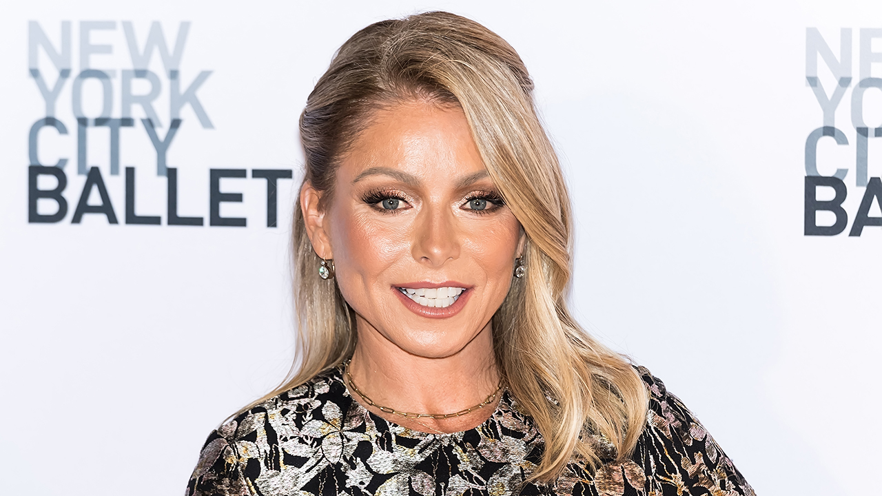Kelly Ripa reveals she had plastic surgery: 'They tore all the way through'