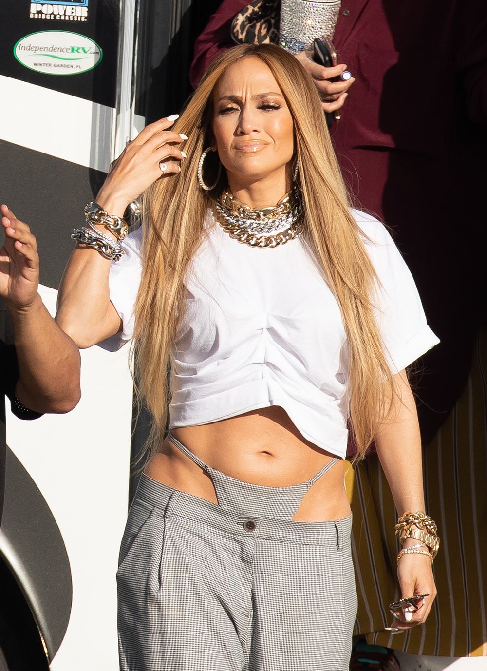 Jennifer Lopez flaunts her thong on music video set