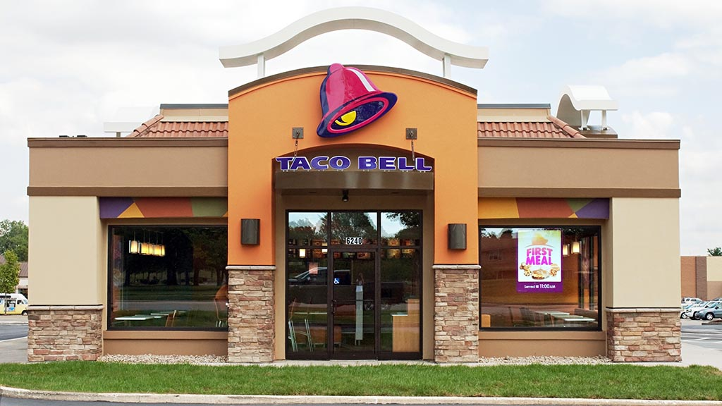 Pennsylvania woman gives birth in Taco Bell parking lot: 'We deserve some nachos out of this'