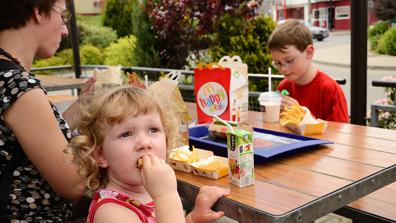 McDonald's being sued for marketing Happy Meals to kids