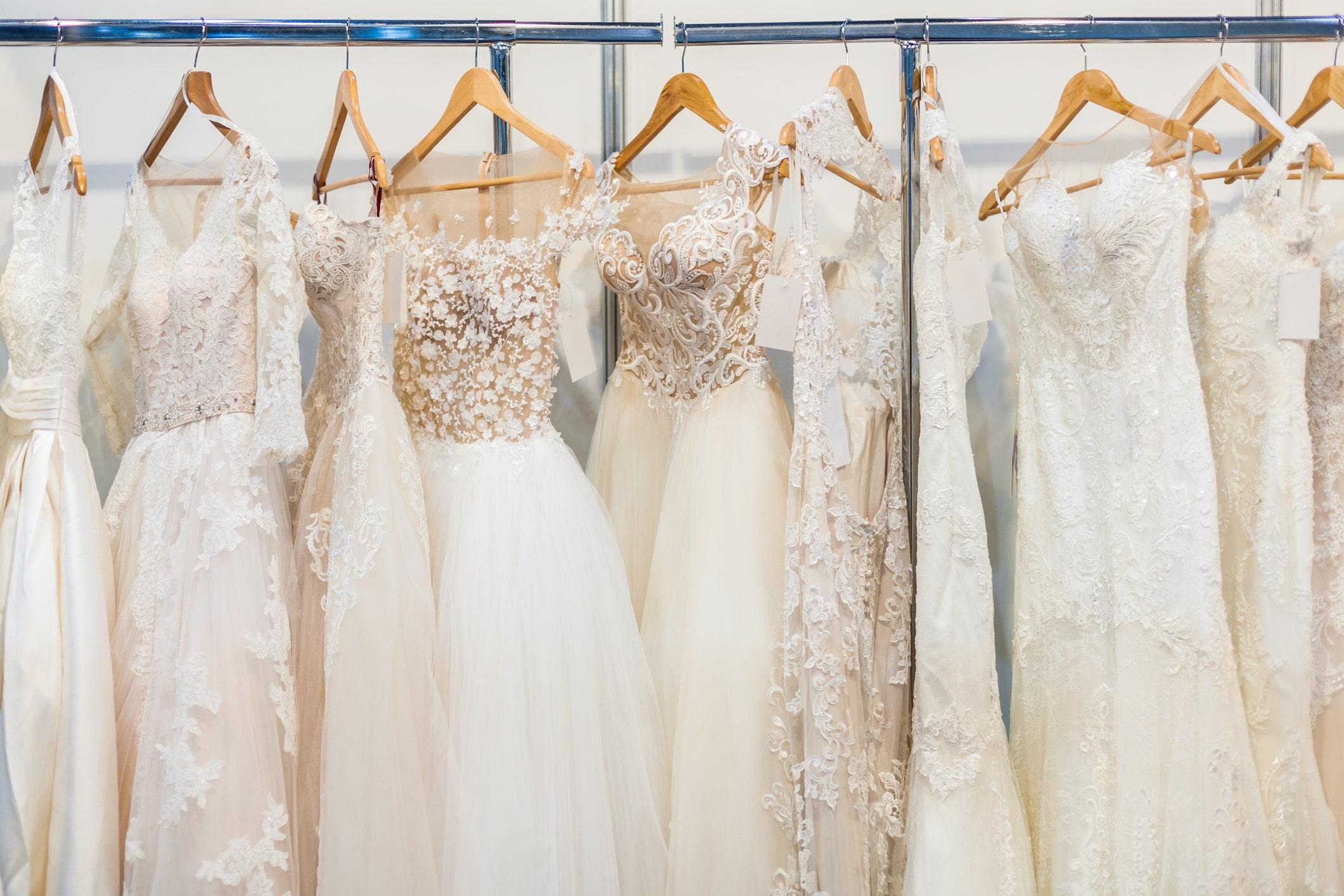 Bride-to-be klaim teman mencuri 'mimpi gaun pengantin' setelah menampilkan foto-fotonya itu