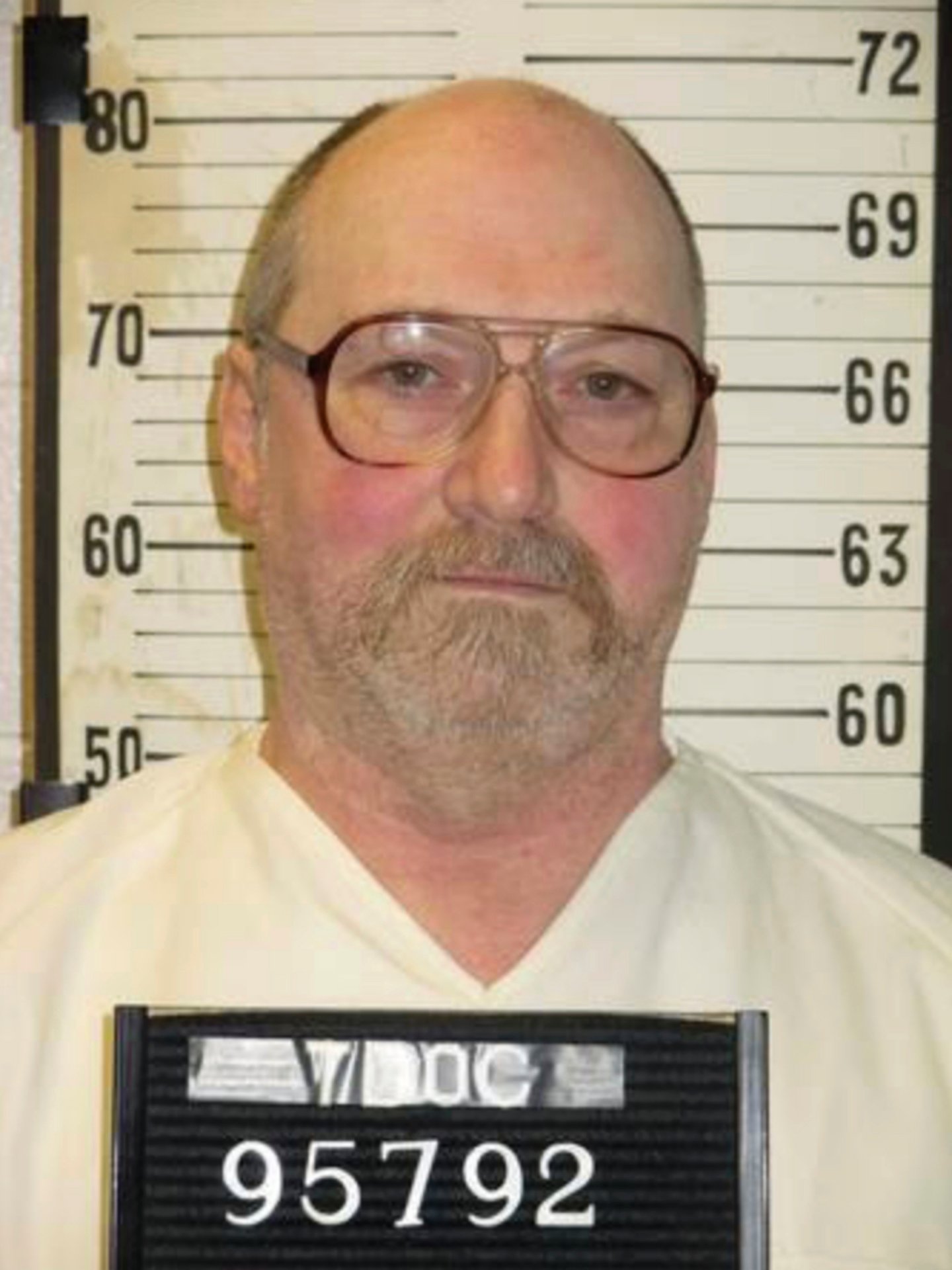 The Latest: Condemned inmate awaits electric chair ruling