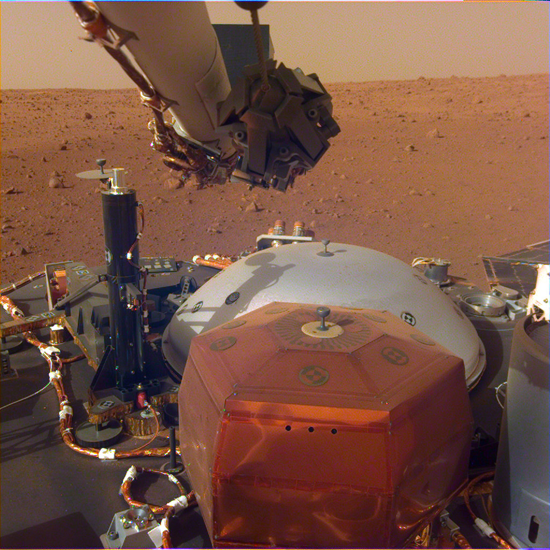 NASA's InSight Mars Lander reveals stunningly clear pictures of the Red Planet