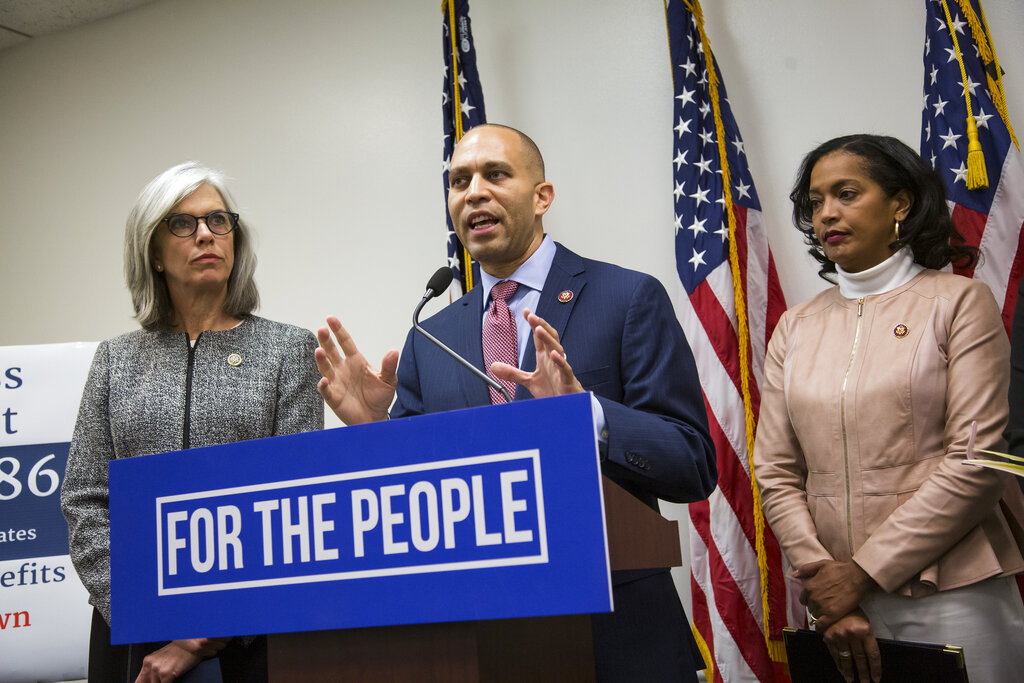 Dem Rep. Hakeem Jeffries, at MLK event, calls Trump 'Grand Wizard of 1600 Pennsylvania Avenue'