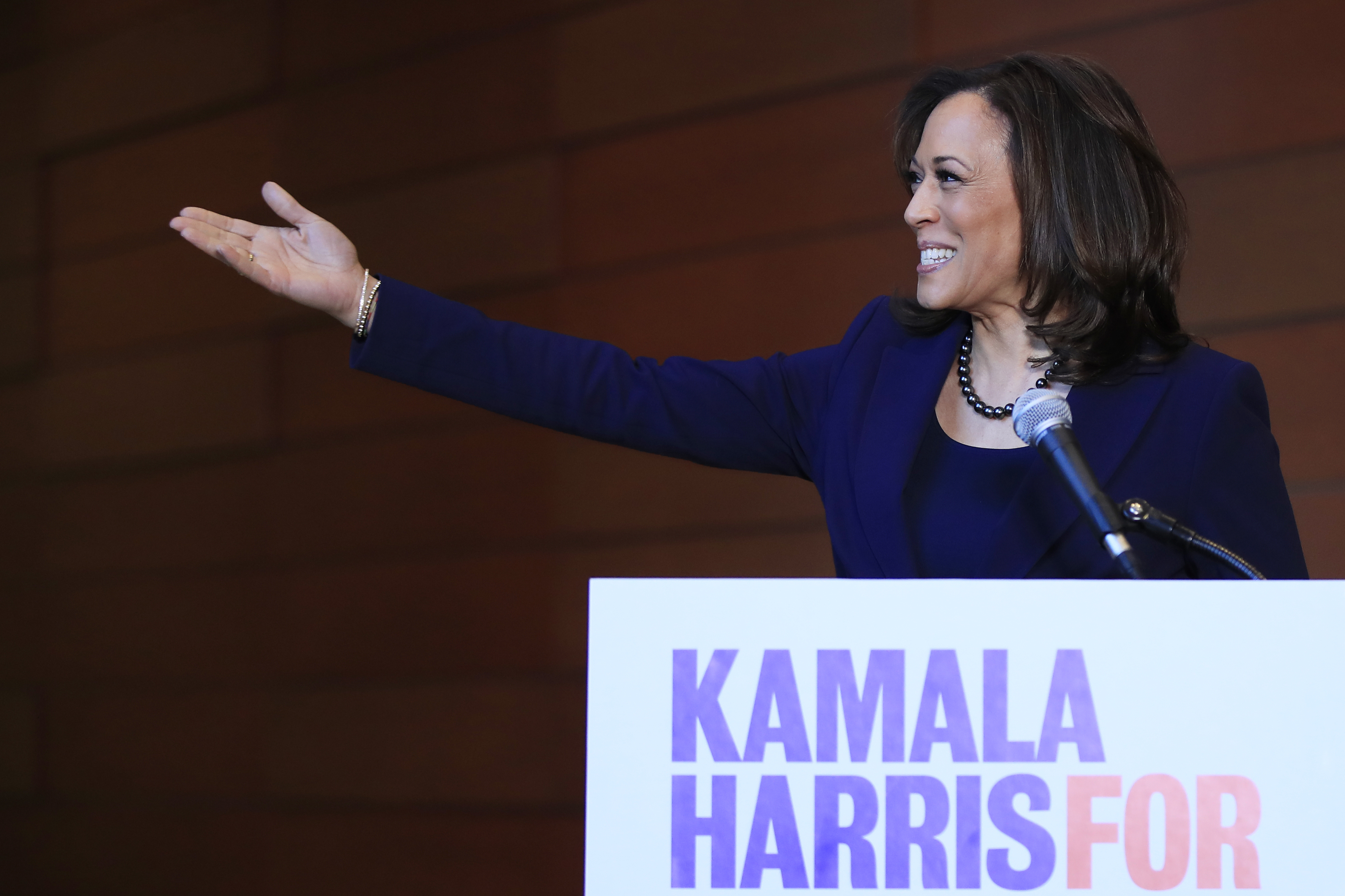 Kamala Harris snags several former Hillary Clinton staffers for 2020 presidential campaign