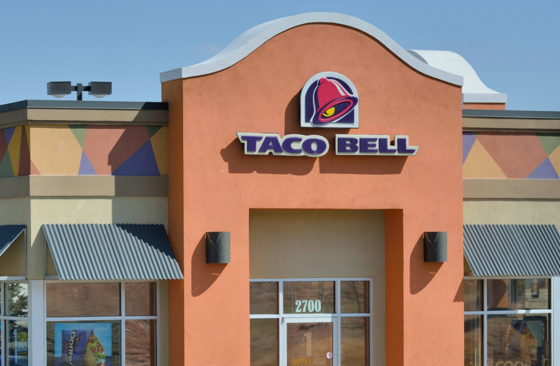 Taco Bell employee's inspirational messages praised by customers