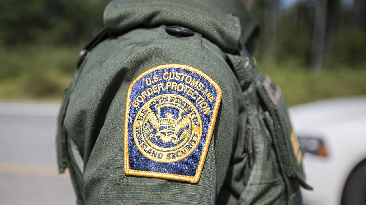 Westlake Legal Group Customs-agent-getty US citizen arrested in Texas after 53 illegal immigrants found inside sweltering tractor-trailer: officials Stephen Sorace fox-news/us/us-regions/southwest/texas fox-news/us/immigration/illegal-immigrants fox-news/us/immigration/border-security fox-news/us/crime fox news fnc/us fnc article 93f4de25-967d-5658-ac94-1a8736723db7