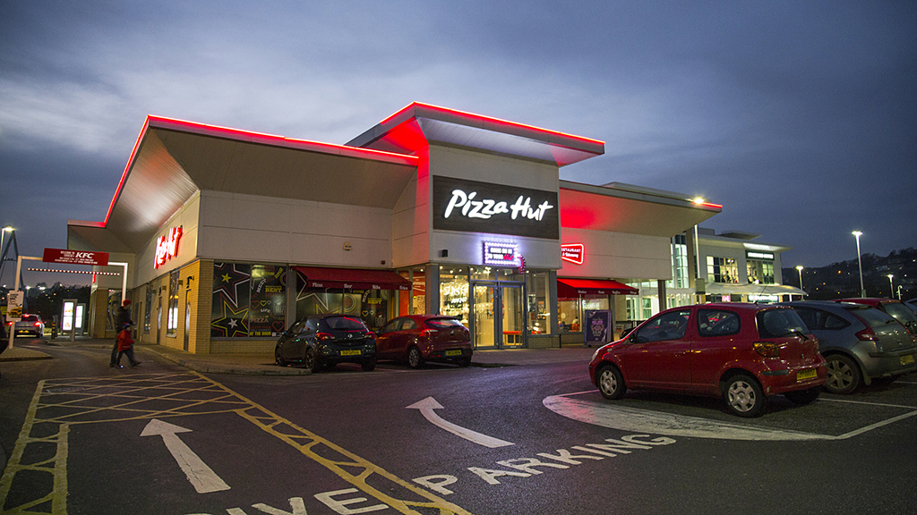 Pizza Hut announces expansion to beer delivery program