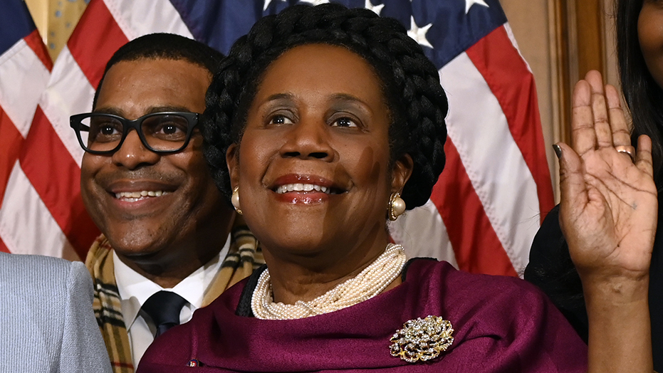 Rep. Sheila Jackson Lee to step down as Congressional Black Caucus Foundation chairwoman in wake of ex-staffer's lawsuit: report