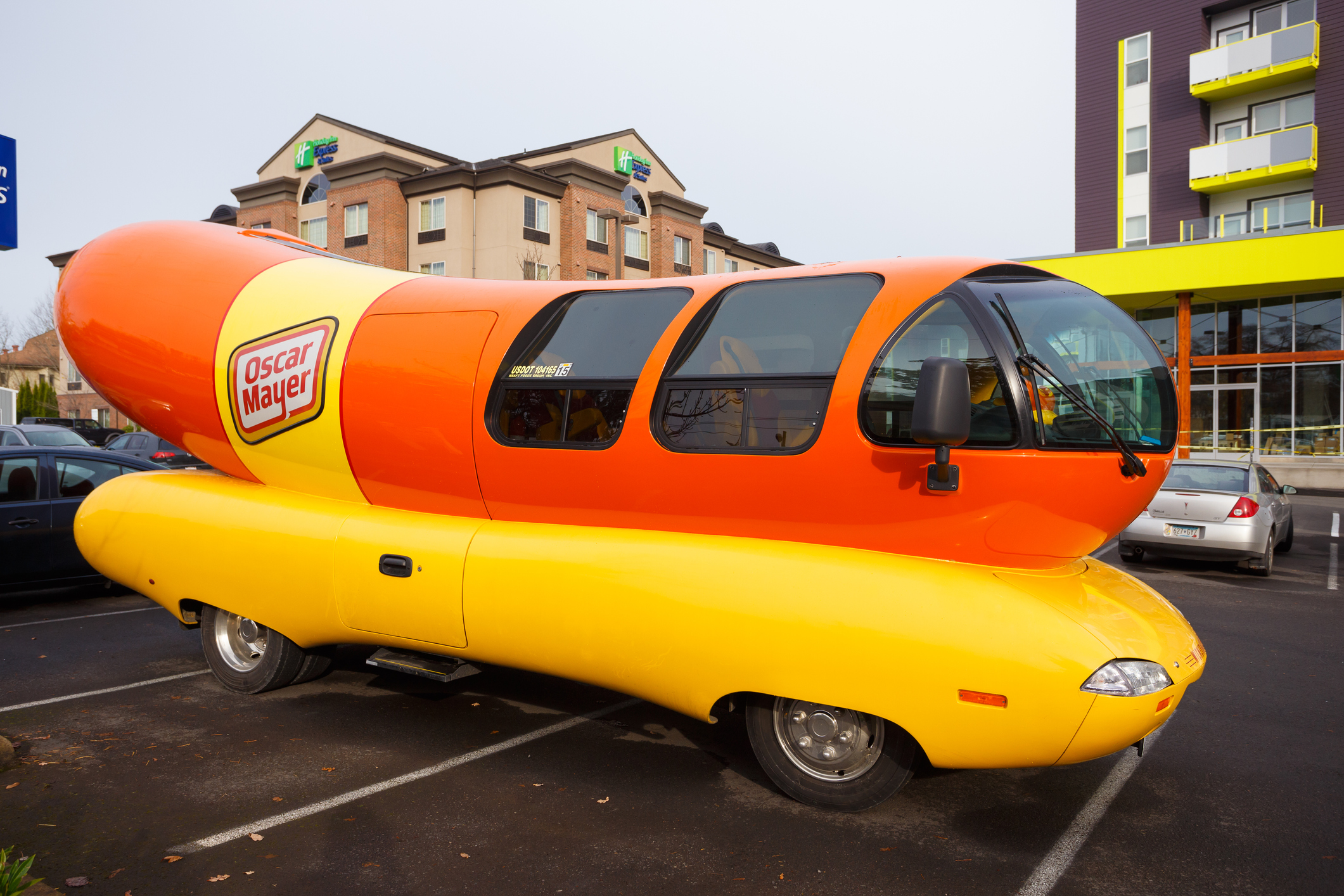 Oscar Mayer accepting applications for Wienermobile drivers
