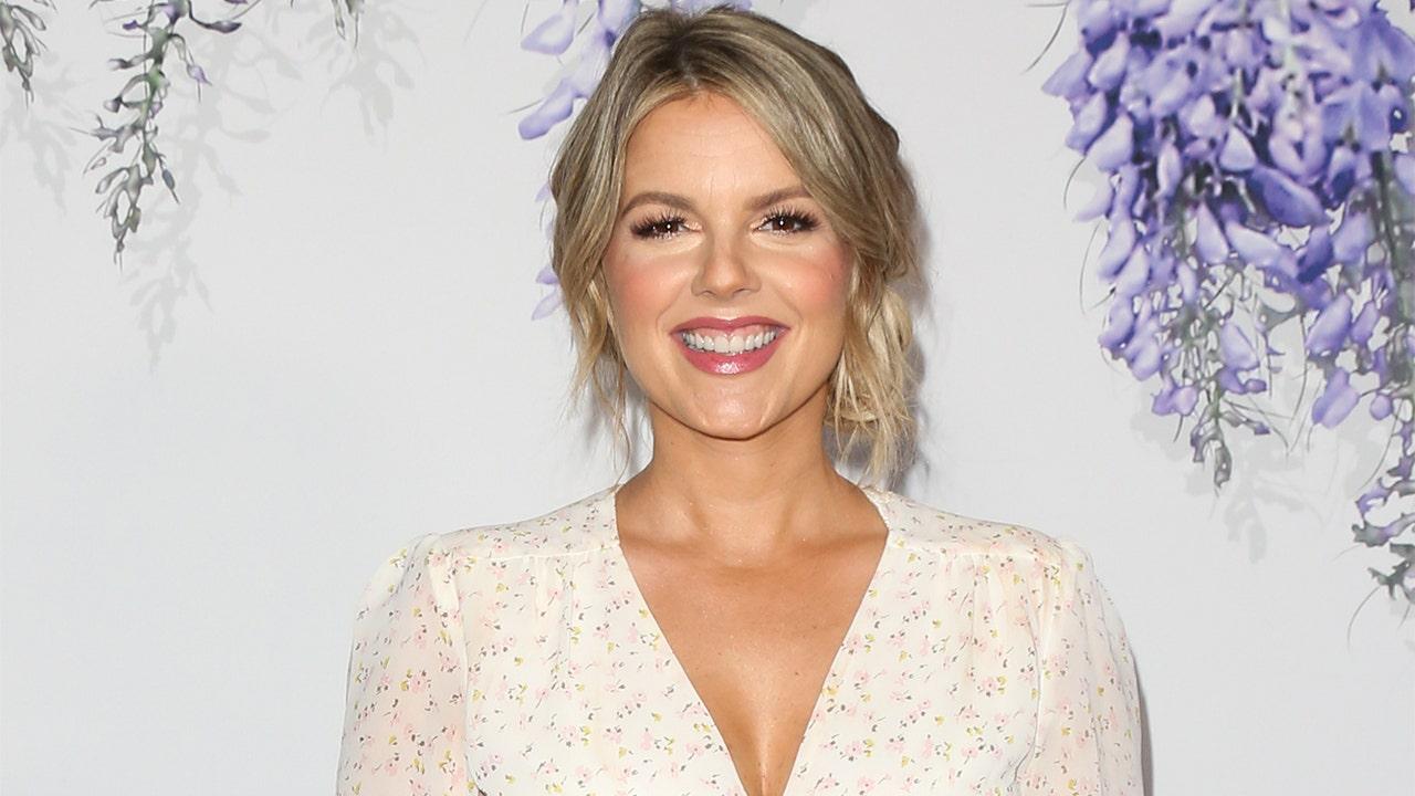Former 'Bachelorette' star Ali Fedotowsky reveals she has shingles