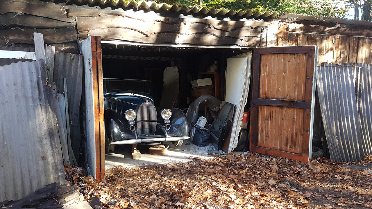Million-dollar car collection hidden for years uncovered in poor artist's barn