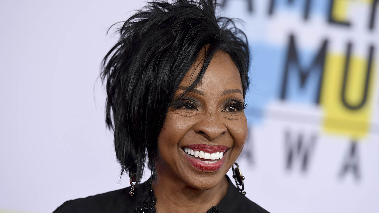 Gladys Knight says she's here to 'give the Anthem back its voice' after announcing Super Bowl performance
