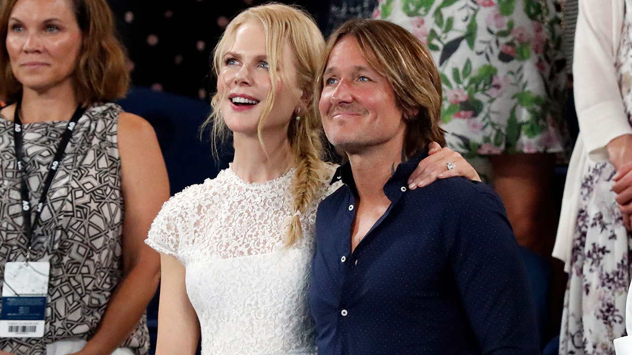 Nicole Kidman, Keith Urban pose for playful selfie during date night