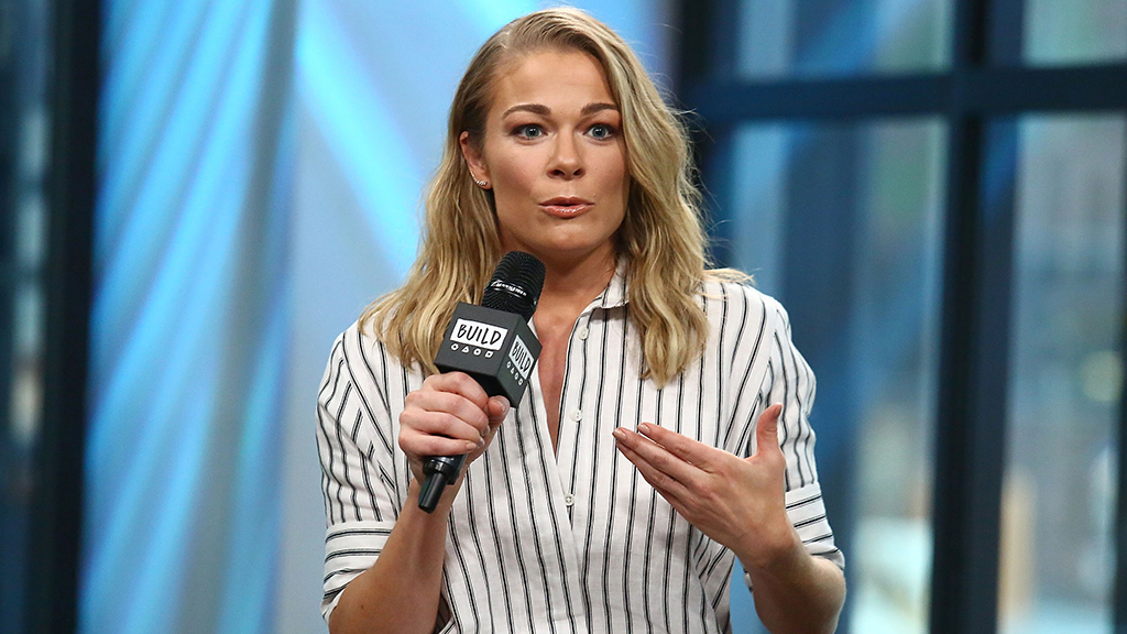LeAnn Rimes' new faith-inspired tattoo causes controversy among fans thumbnail