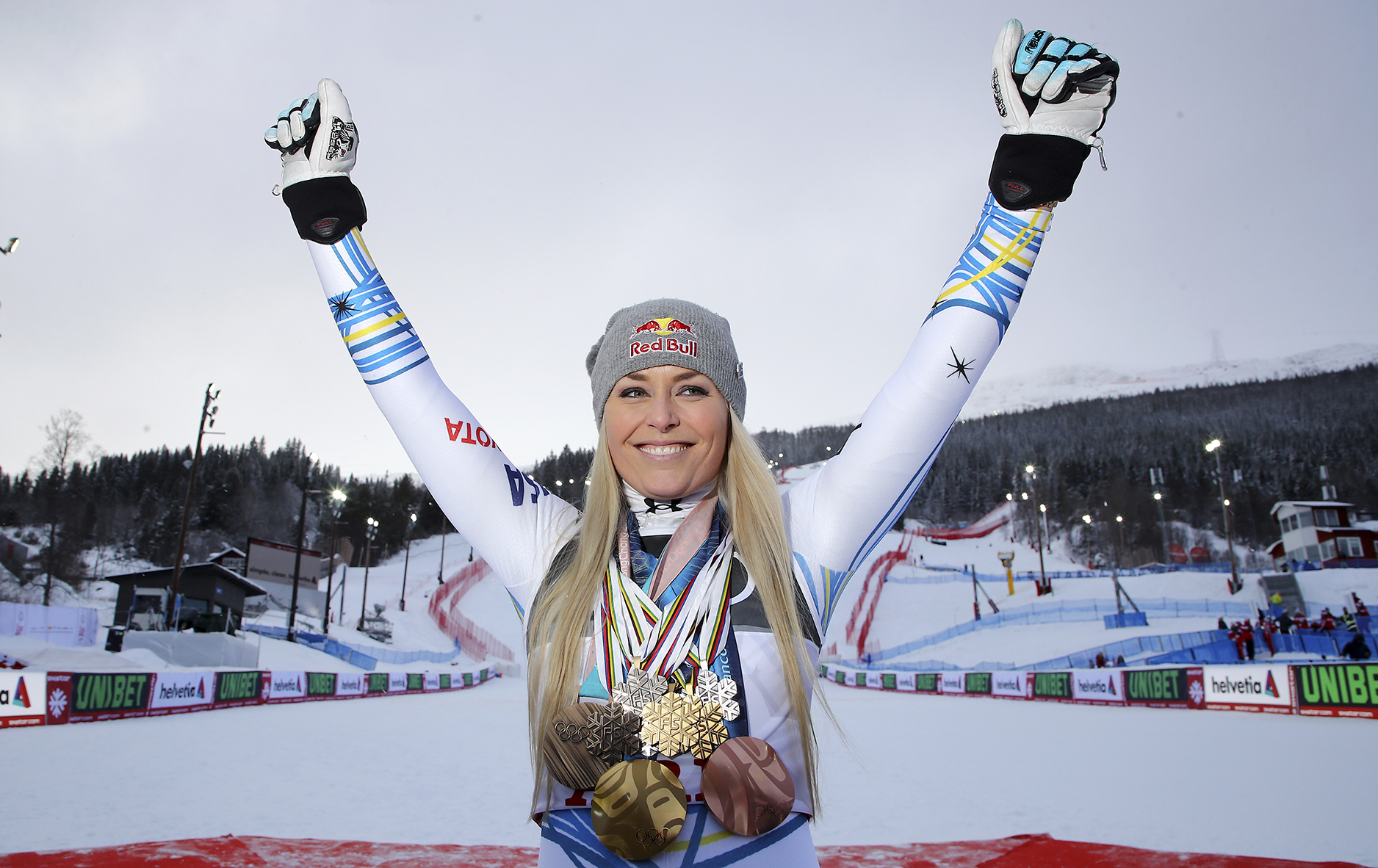 Lindsey Vonn teases return to Sports Illustrated Swimsuit Issue in racy photo thumbnail