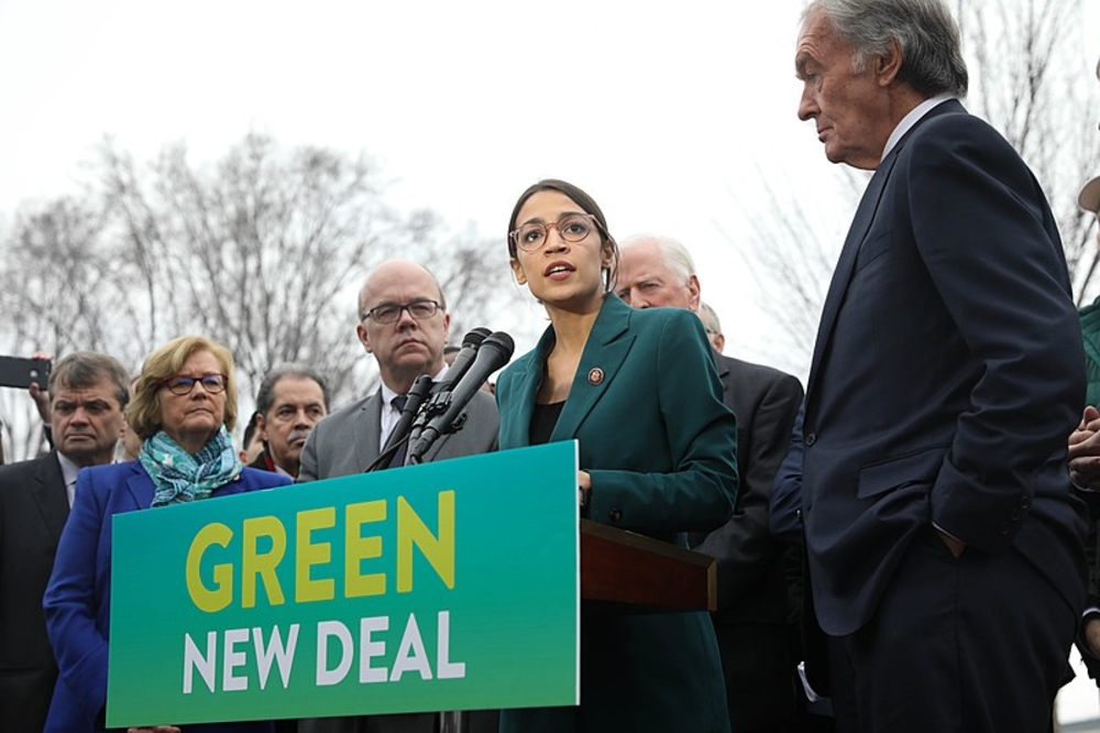 Westlake Legal Group 800px-greennewdeal_presser_020719_26_of_85_46105848855 Swing-state households would lose at least $70G within first year of Green New Deal, study finds Sam Dorman fox-news/us/us-regions/southeast/florida fox-news/us/us-regions/northeast/pennsylvania fox-news/topic/green-new-deal fox-news/politics/2020-presidential-election fox news fnc/politics fnc article 9b0cb225-3600-582c-b05f-886c4550c2a1