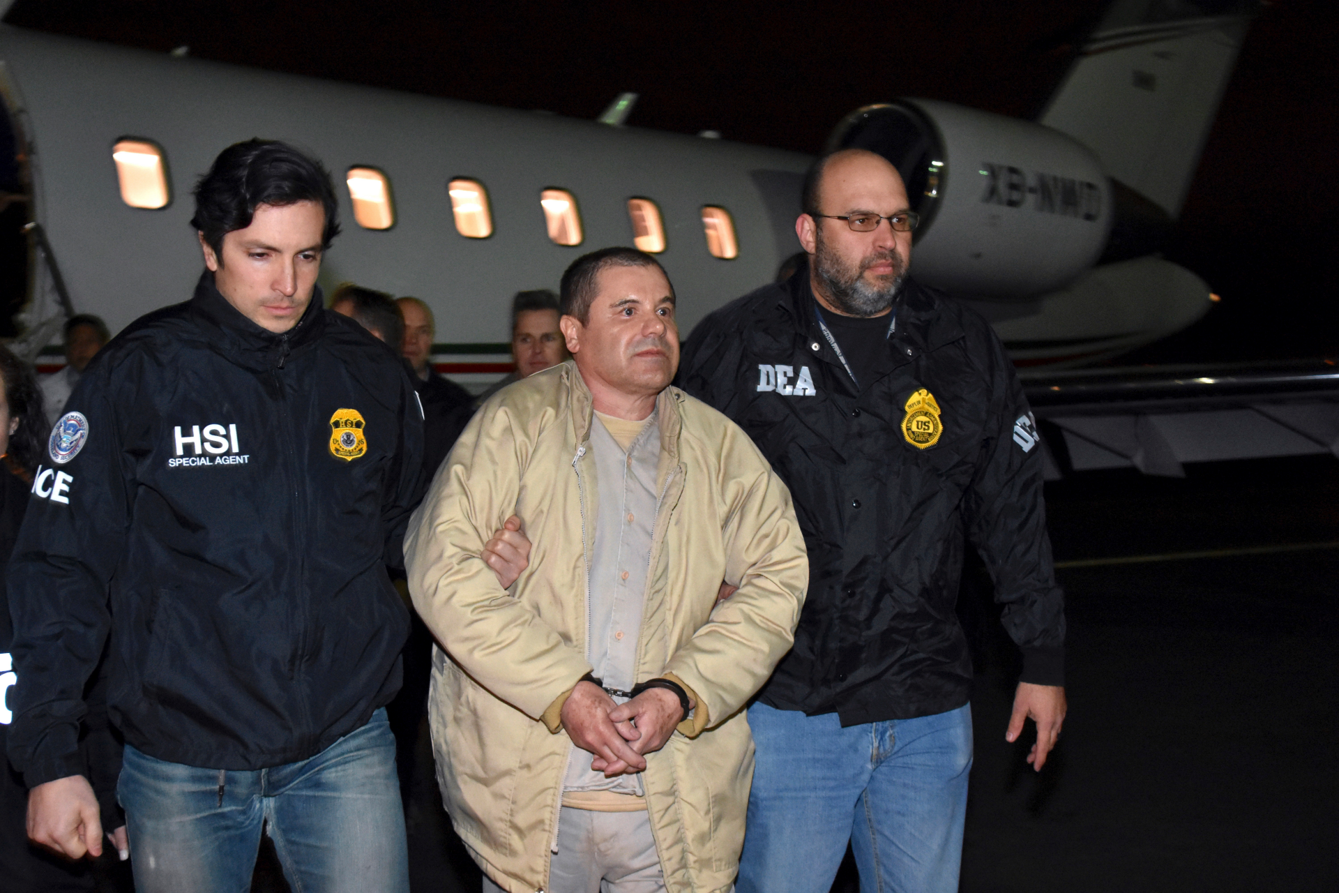 New video of the raid that captured 'El Chapo'
