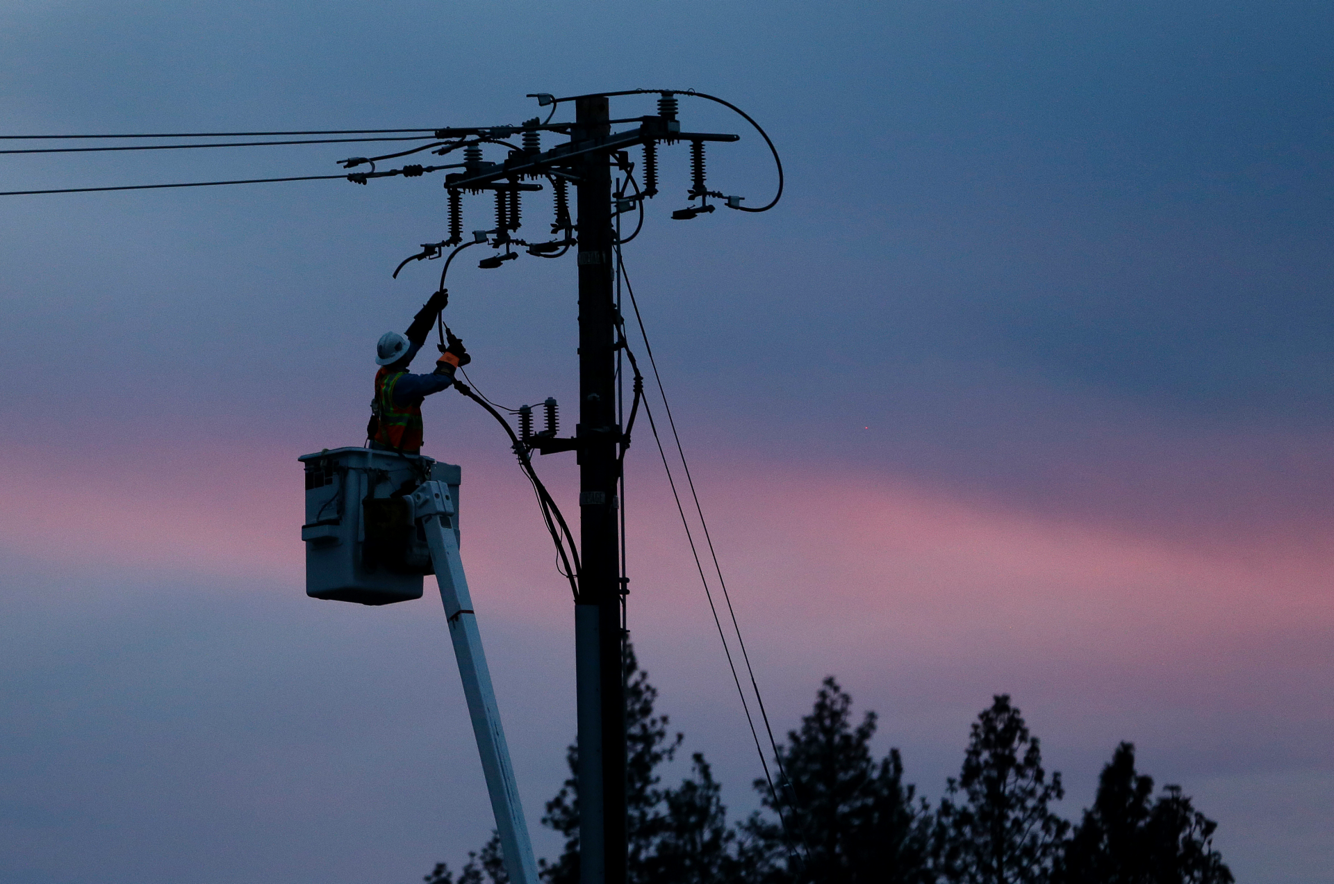 Westlake Legal Group ContentBroker_contentid-a8836b4751db4662bc783fee2aae85a4 California utility PG&E could cut power to 850,000 households over 'historic wind event' fox-news/us/us-regions/west/california fox-news/us/energy fox news fnc/us fnc Brie Stimson article 032667b9-250a-5dee-9efd-15c7083f5ed9