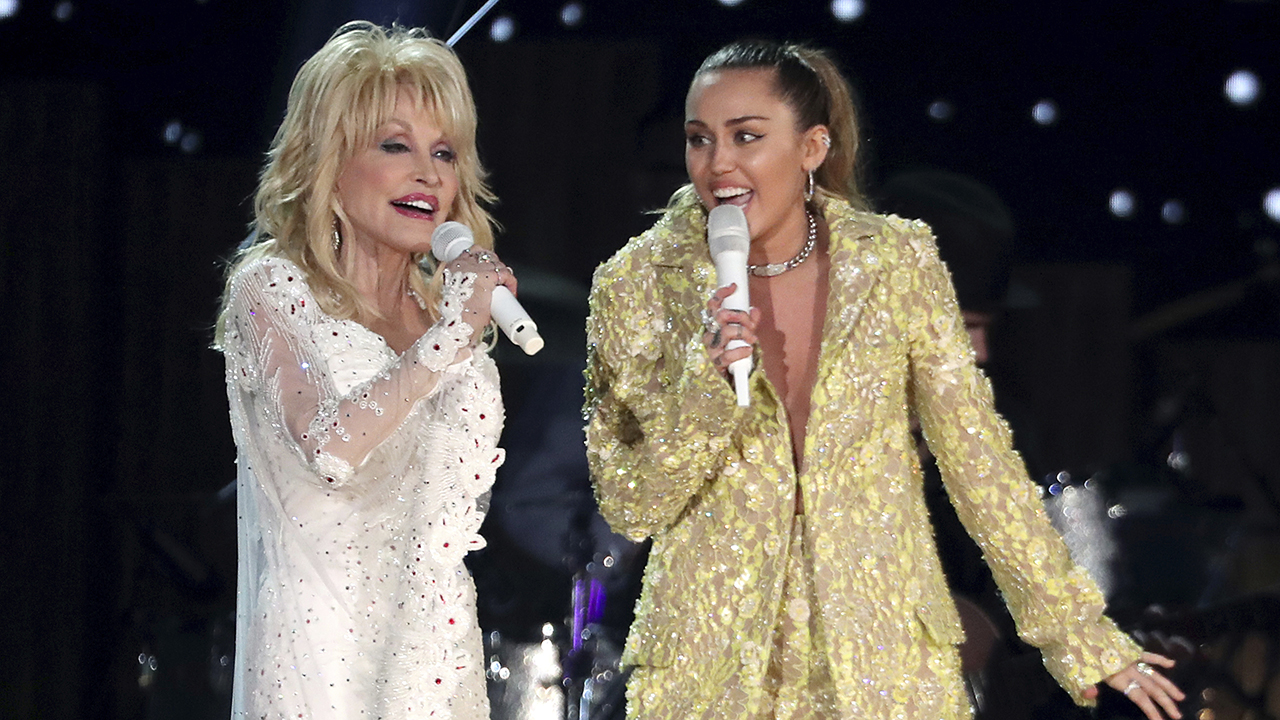 Miley Cyrus jokingly shares the best advice that Dolly Parton has given her to date