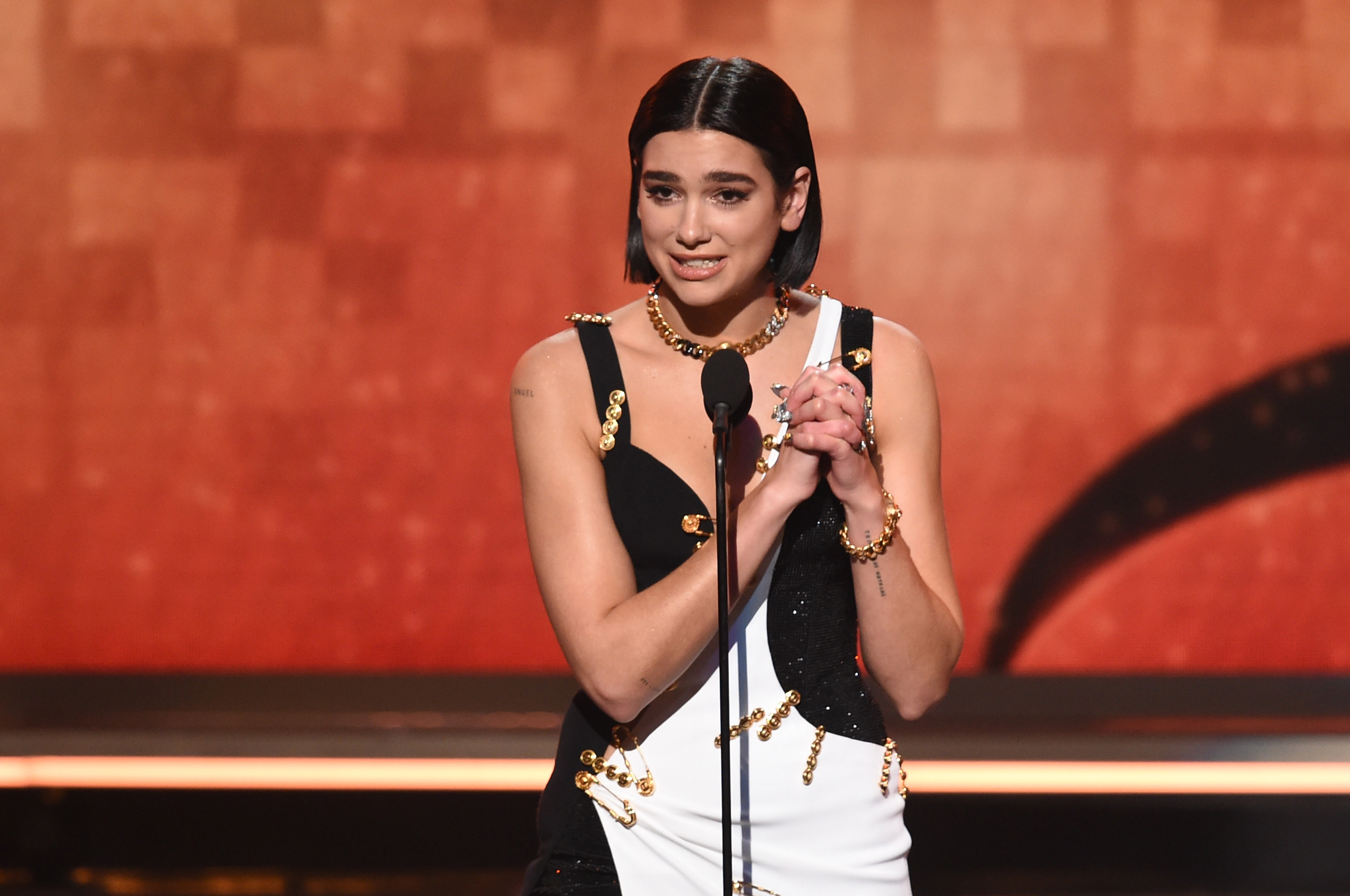 Grammys 2019 Best New Artist Dua Lipa talks Ariana Grande missing the show, 21 Savage being arrested by ICE