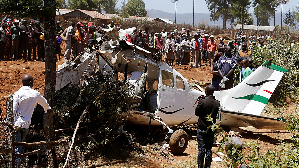 2 Americans among 5 killed after small plane crashes returning from Kenyan wildlife reserve