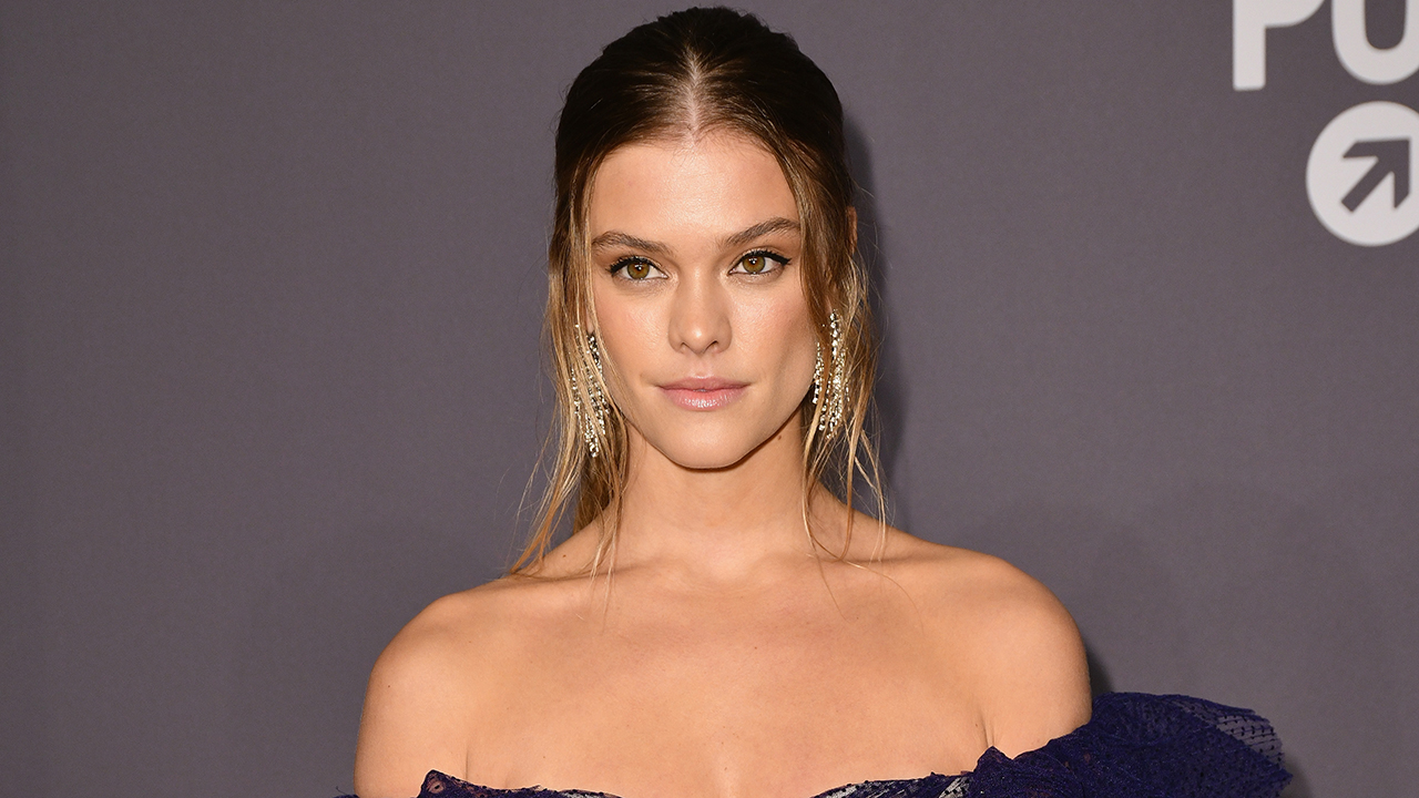 Nina Agdal poses in tiny bikini on beach day: 'These buns won't bake themselves' - Fox News