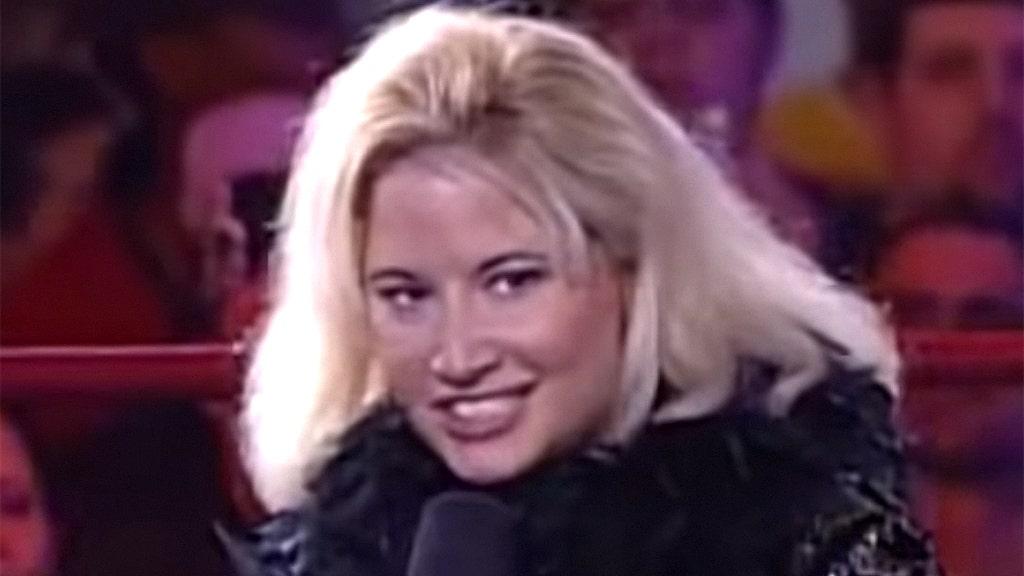 WWE Hall of Famer Tammy 'Sunny' Sytch bị bắt vì nhiều cáo buộc phạm tội