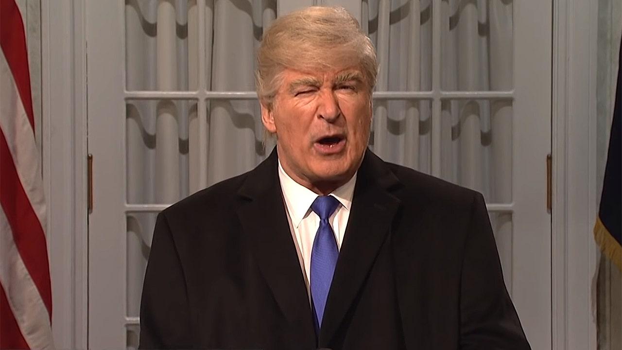Alec Baldwin slams President Trump in Christmas wish: 'I hope the BBQ sauce in Trump's hair slides off'