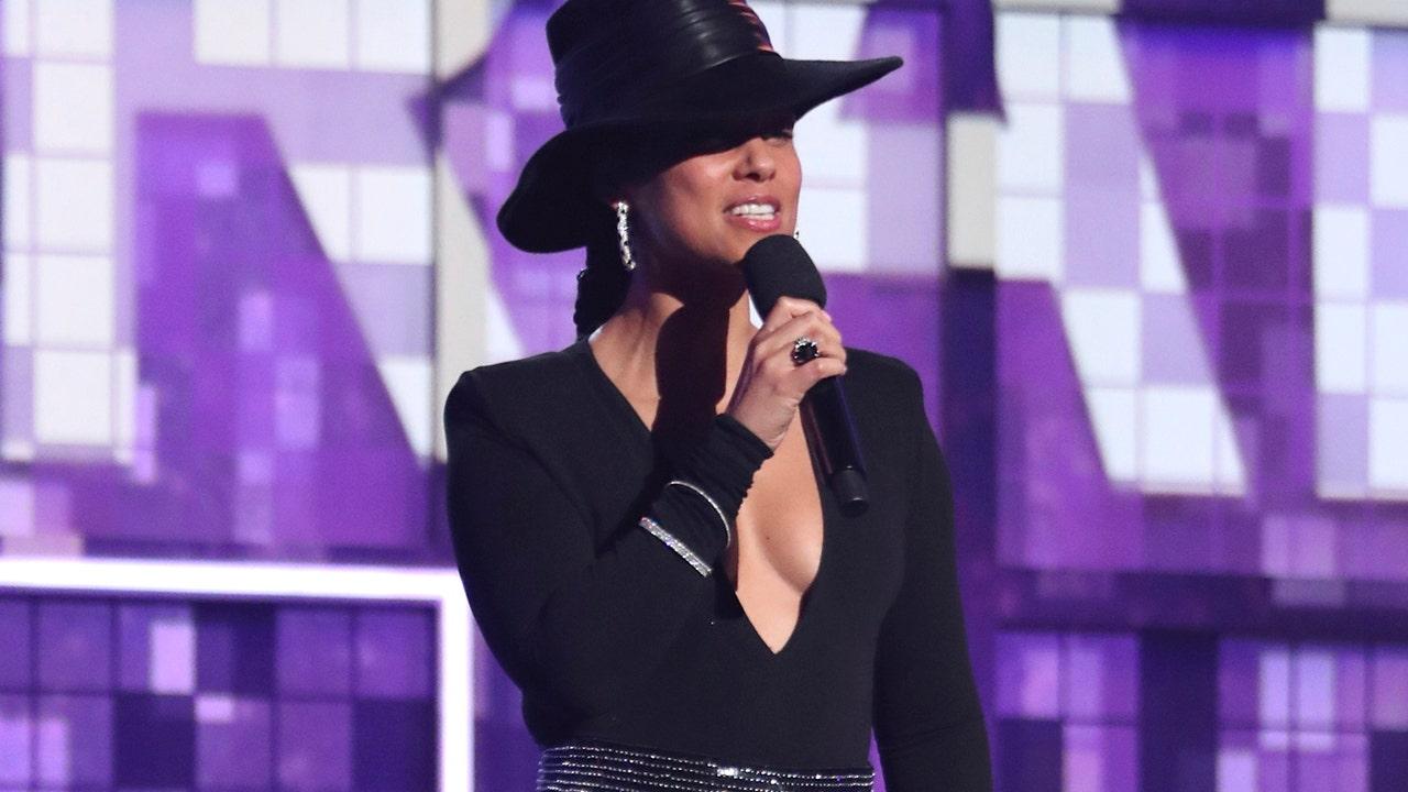 Grammy Awards: Host Alicia Keys unaware show returns from commercial break