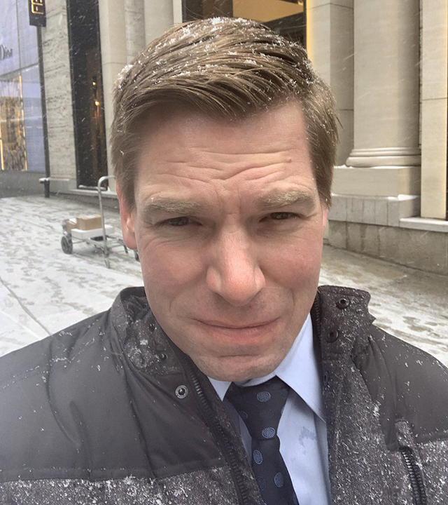 Swalwell bypasses coffee inside Trump Tower, tweets about it