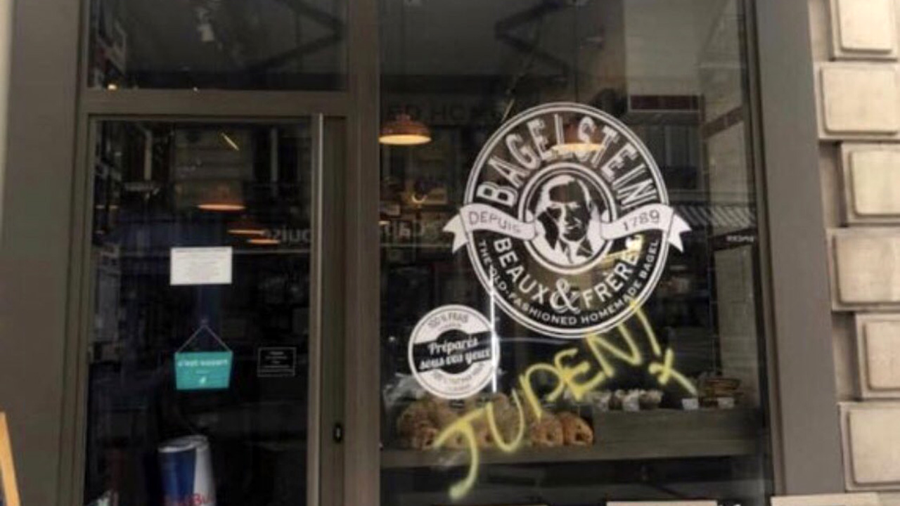 Anti-Semitic graffiti sprayed on Paris bagel shop compared to similar acts in Nazi Germany