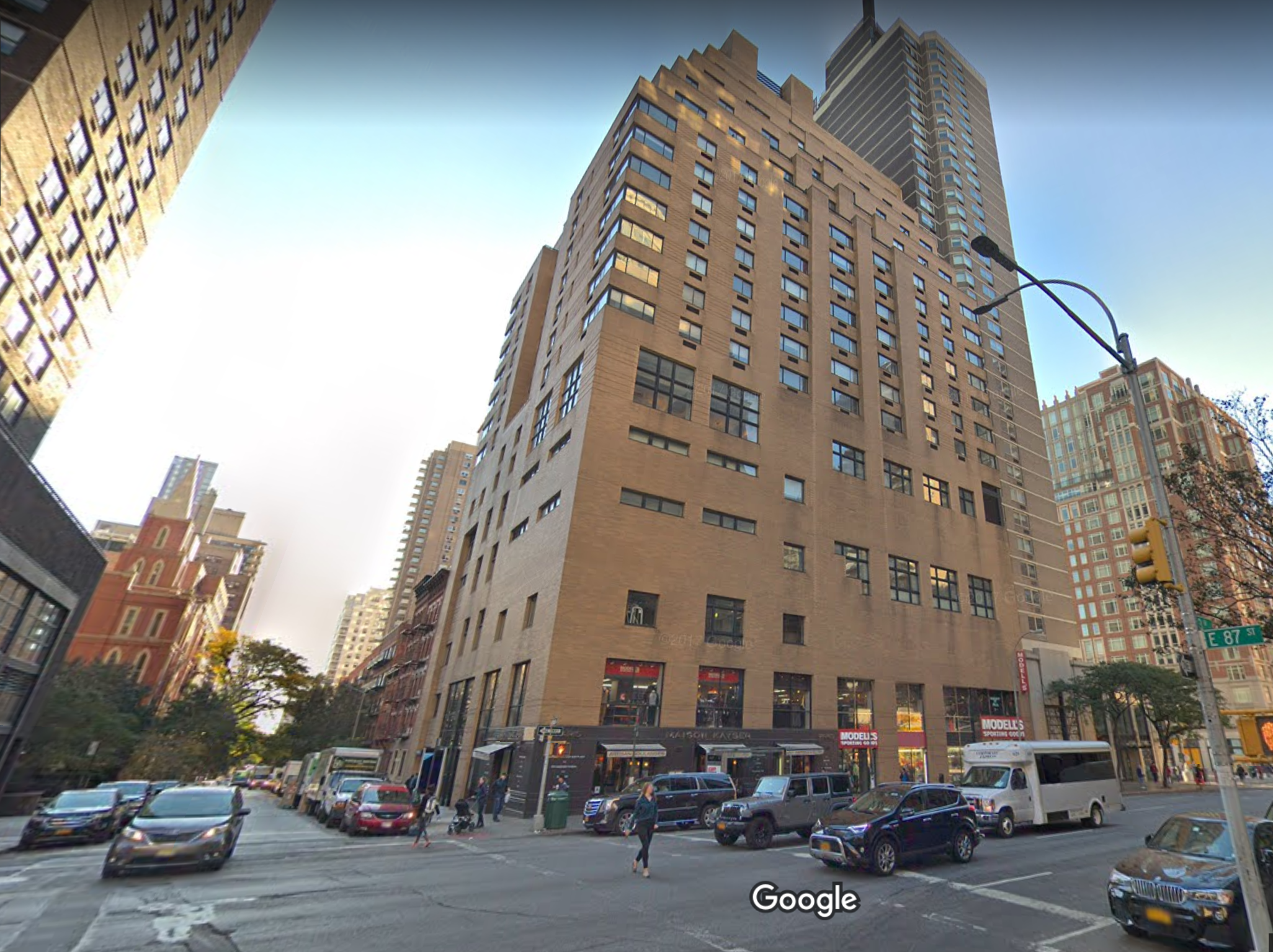 New York City man, 55, falls 12 stories, dies after attempting to repair apartment window: police