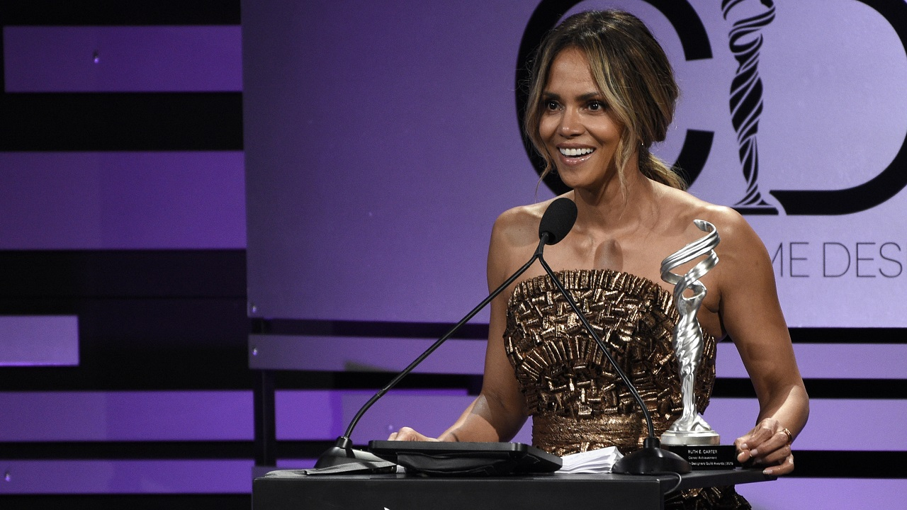 Halle Berry shows off massive new tattoo in topless Instagram pic thumbnail
