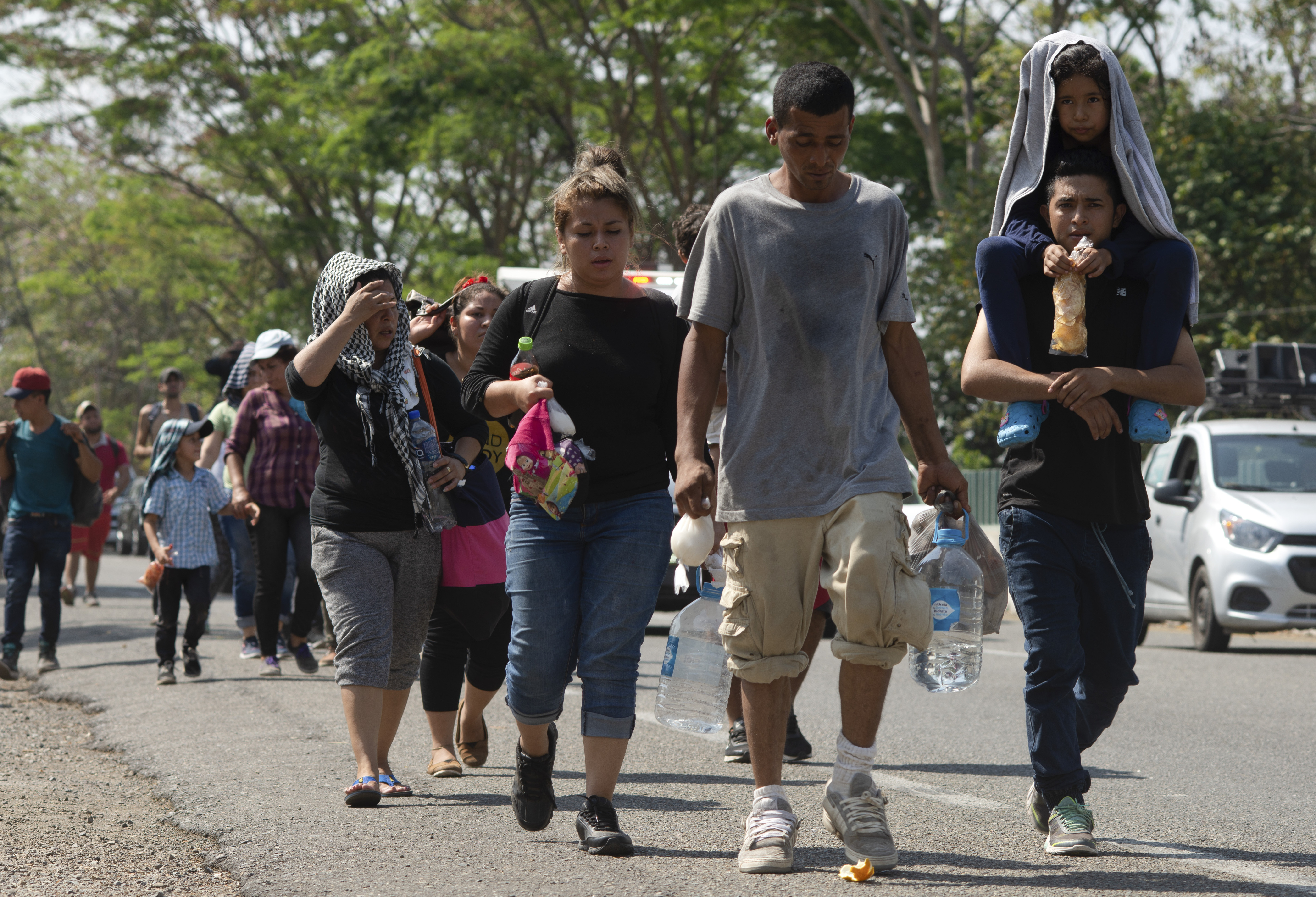 Trump moves to cut aid to Central America, amid caravans and flood of refugees - Fox News thumbnail