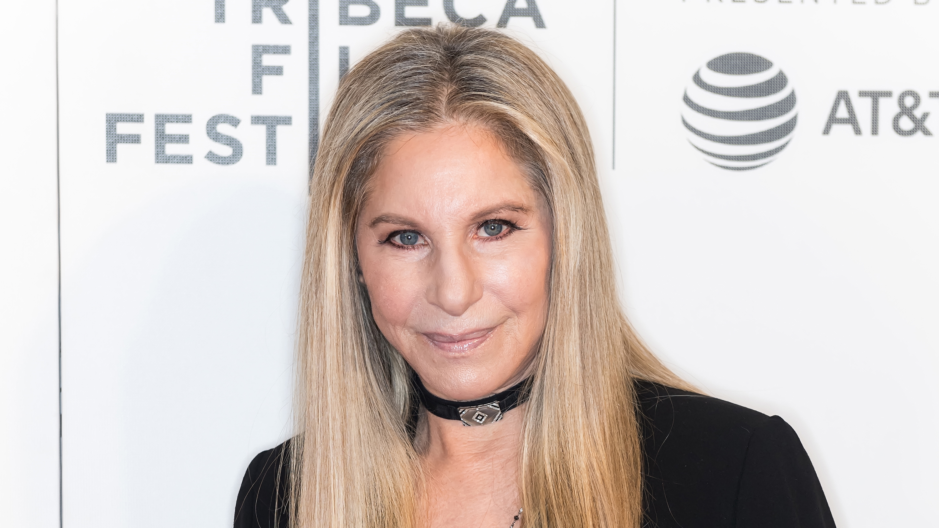 Barbra Streisand says she 'absolutely' believes Michael Jackson accusers thumbnail