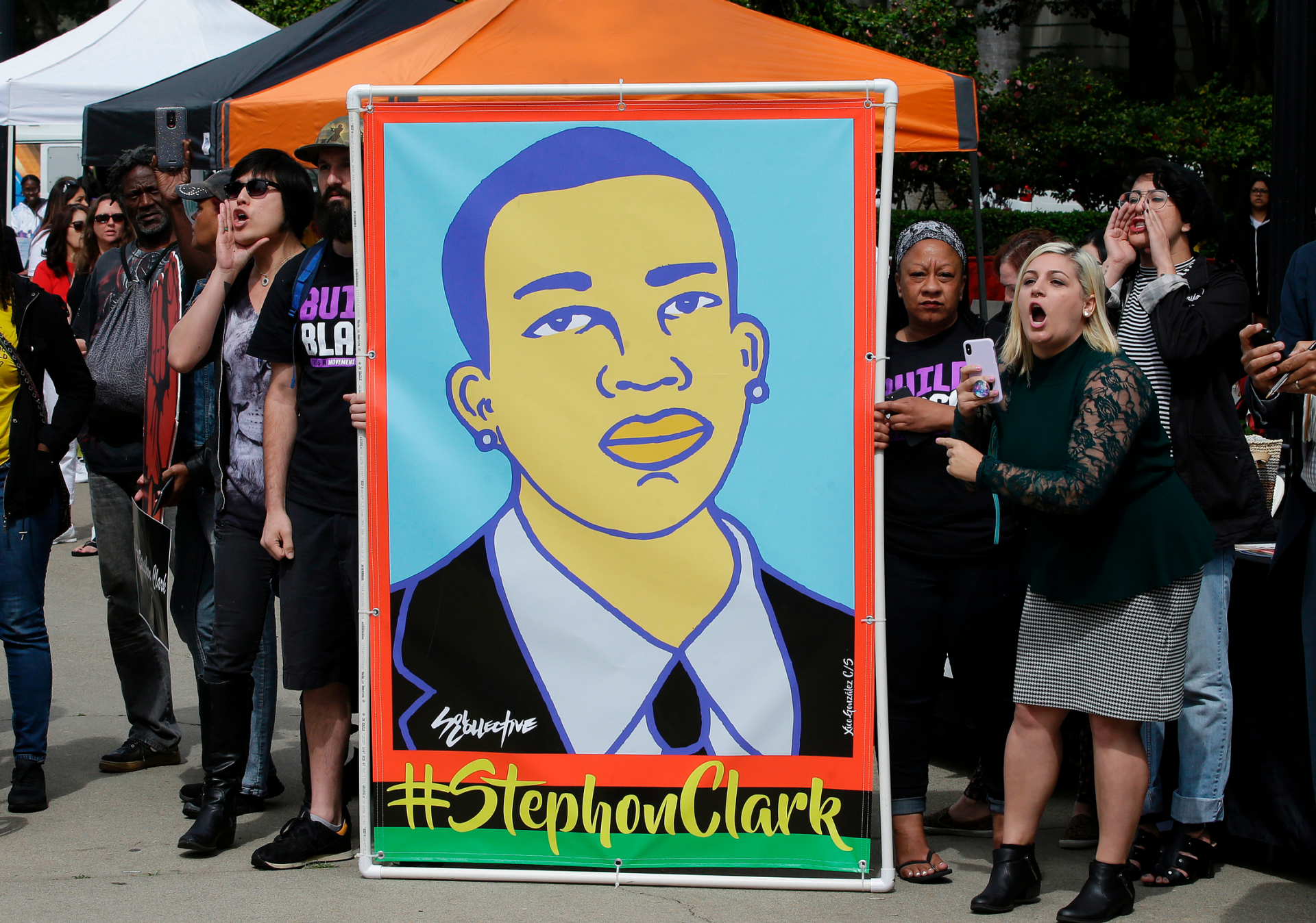 Westlake Legal Group ContentBroker_contentid-18d58d10f98f4b2184aeb3a839490a0b Stephon Clark shooting: No civil rights charges, officers will return to active-duty in Sacramento fox-news/us/us-regions/west/california fox-news/us/crime/police-and-law-enforcement fox news fnc/us fnc Danielle Wallace article 2ebd3022-049e-54af-9b08-b09d190c15fa