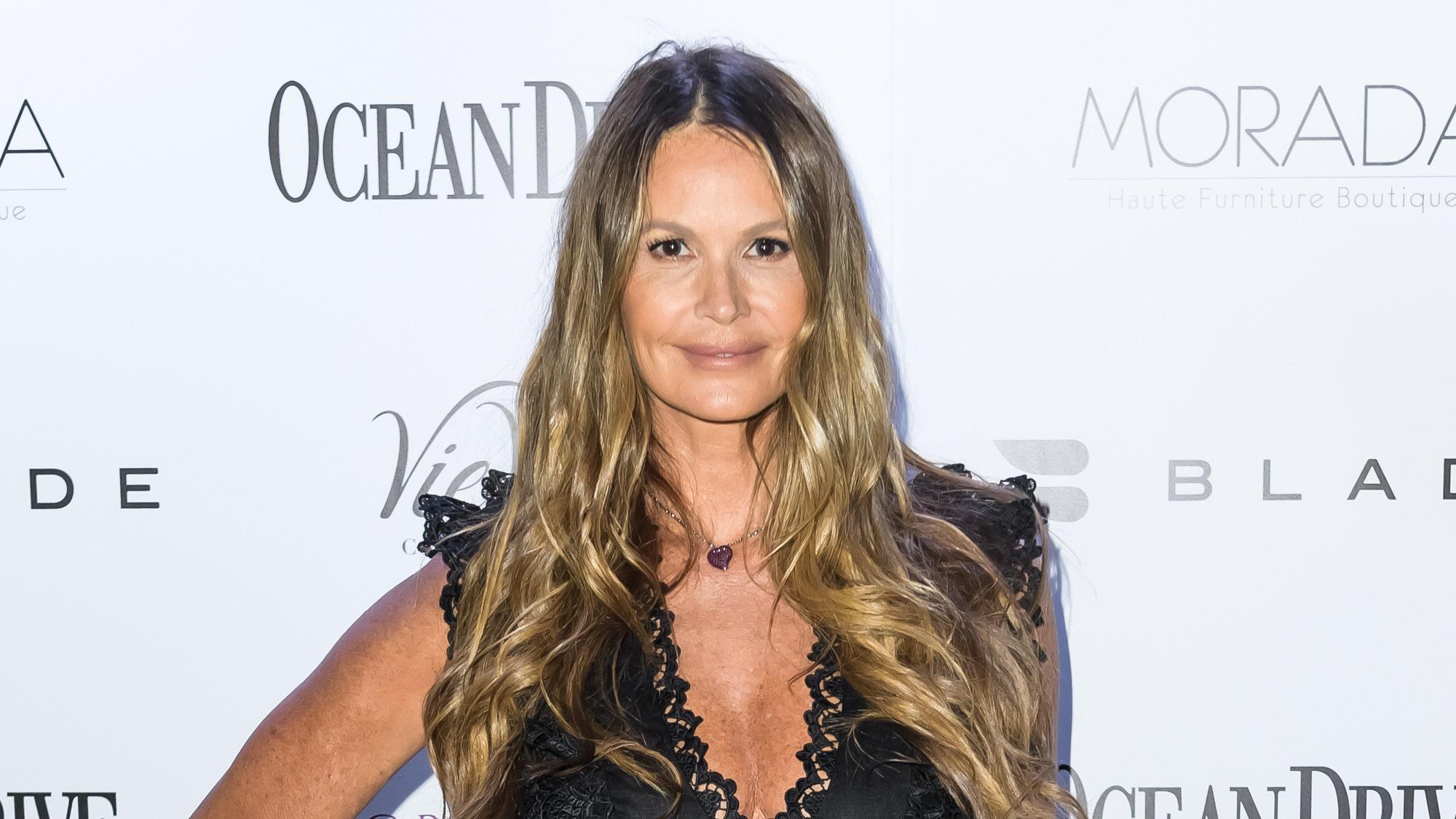Elle Macpherson, 54, flaunts incredible beach bod