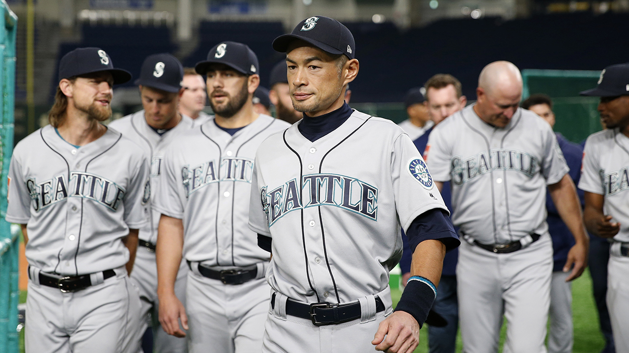 Ichiro Suzuki shows off hitting ability, pitching skills in post-retirement sandlot game