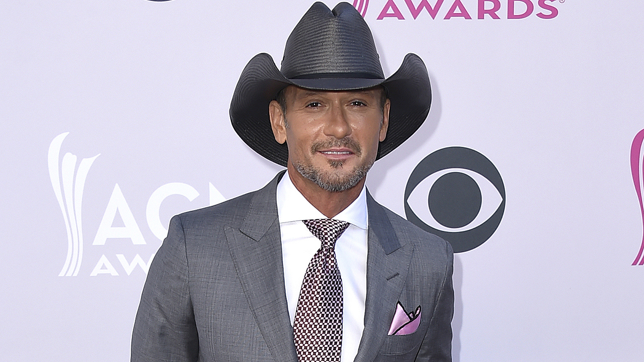 Democrat, country singer Tim McGraw tells people to 'vote their conscience' in 2020 election thumbnail