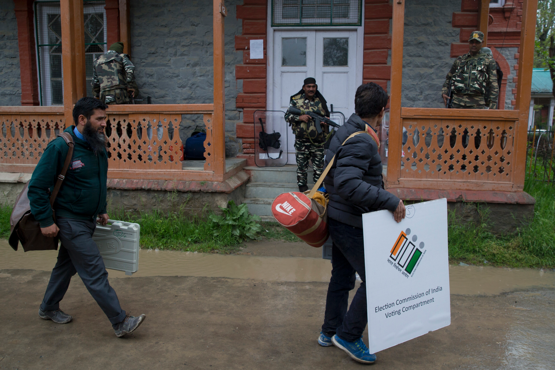 Westlake Legal Group ContentBroker_contentid-4a15b7d976d44b09b43e430fafeb0038 2nd phase of voting begins in India's general election SRINAGAR, India fox-news/world/world-regions/asia fox-news/world fnc/world fnc Associated Press article 7af43adc-263e-5283-9fa4-84e653e68074