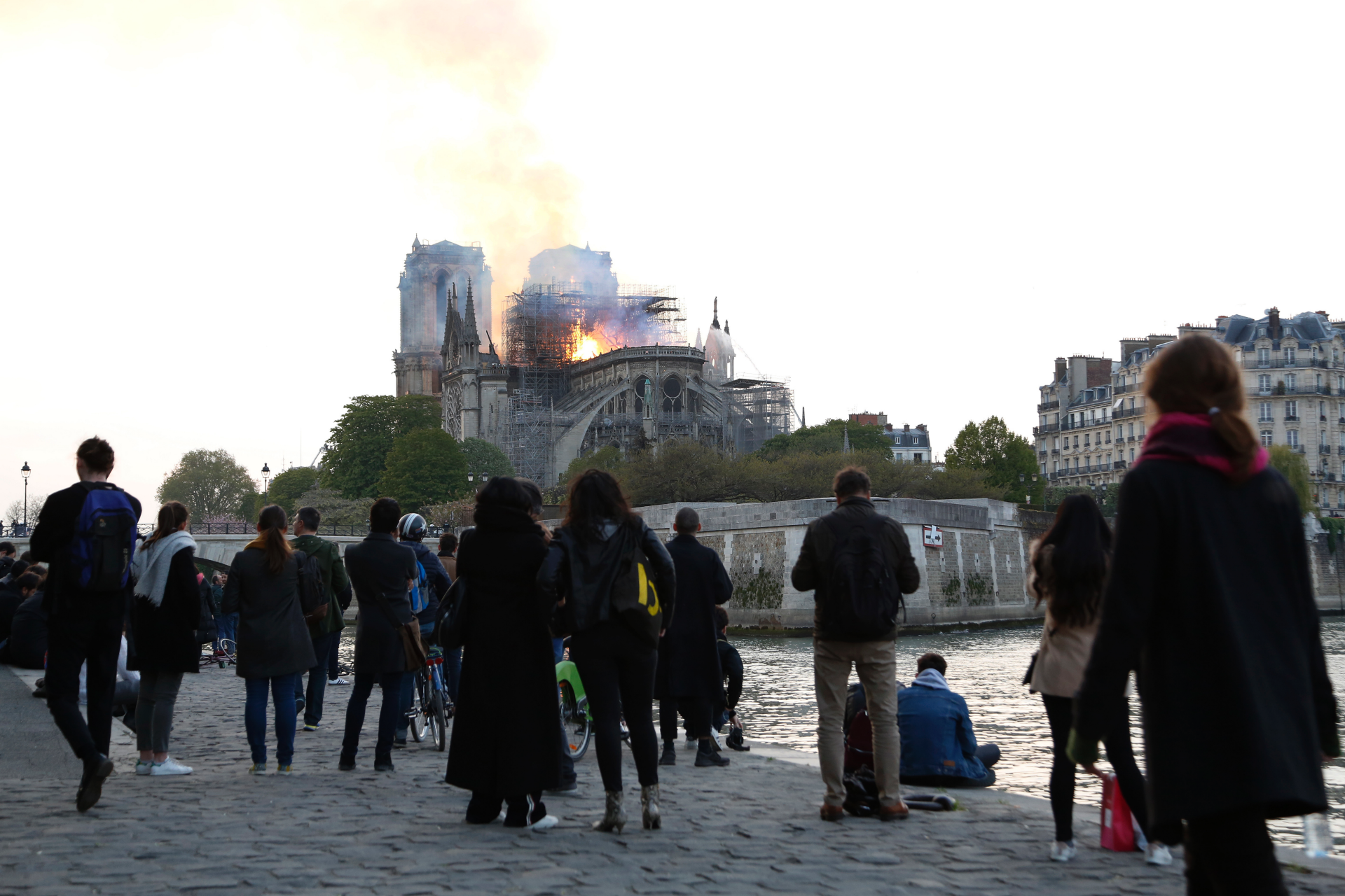 Westlake Legal Group ContentBroker_contentid-573d75e2ab27450d9853cfe0582712ae In the heart of Paris, watching a symbol of France burn LORI HINNANT fox-news/world/world-regions/europe fox-news/world fnc/world fnc Associated Press article 0838a423-9b22-5a7f-9158-54d32aff00a3