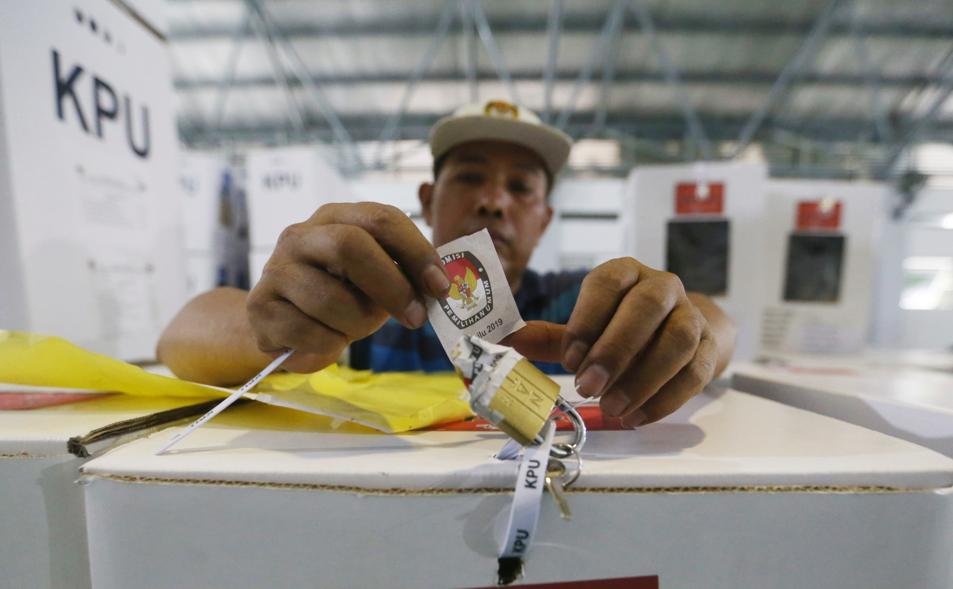 Voting underway in Indonesia presidential elections