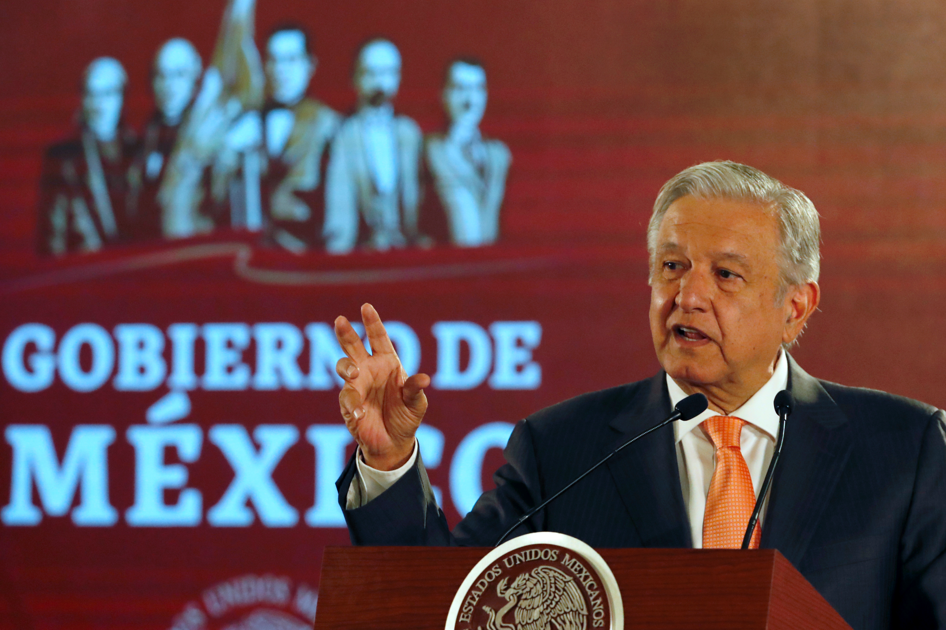 Mexico president sets aside education reform