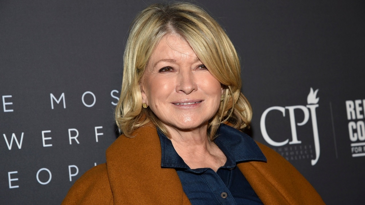 Martha Stewart on Lori Loughlin, Felicity Huffman's college admissions scandal: 'I just feel sorry for them' - Fox News