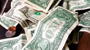 Westlake Legal Group MONEY Driver's $30G in cash spills on Michigan roadway, prompting call for return of the money fox-news/us/us-regions/midwest/michigan fox-news/odd-news fox news fnc/us fnc Dom Calicchio article 56b40660-ab61-5acb-9df9-f65a4ed2124d