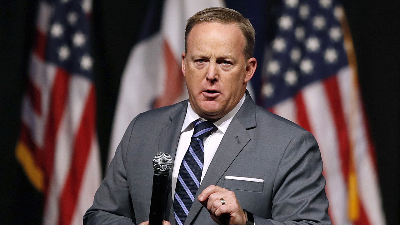 Westlake Legal Group spicerAP Sean Spicer: Press blaming Sarah Sanders for their reduction in airtime fox-news/topic/fox-news-flash fox-news/shows/ingraham-angle fox-news/politics/executive/white-house fox-news/politics/executive fox-news/person/sarah-sanders fox-news/person/donald-trump fox-news/entertainment/media fox news fnc/politics fnc Charles Creitz article 52c6d0f9-43ea-5fdf-8028-b8b620013f6e