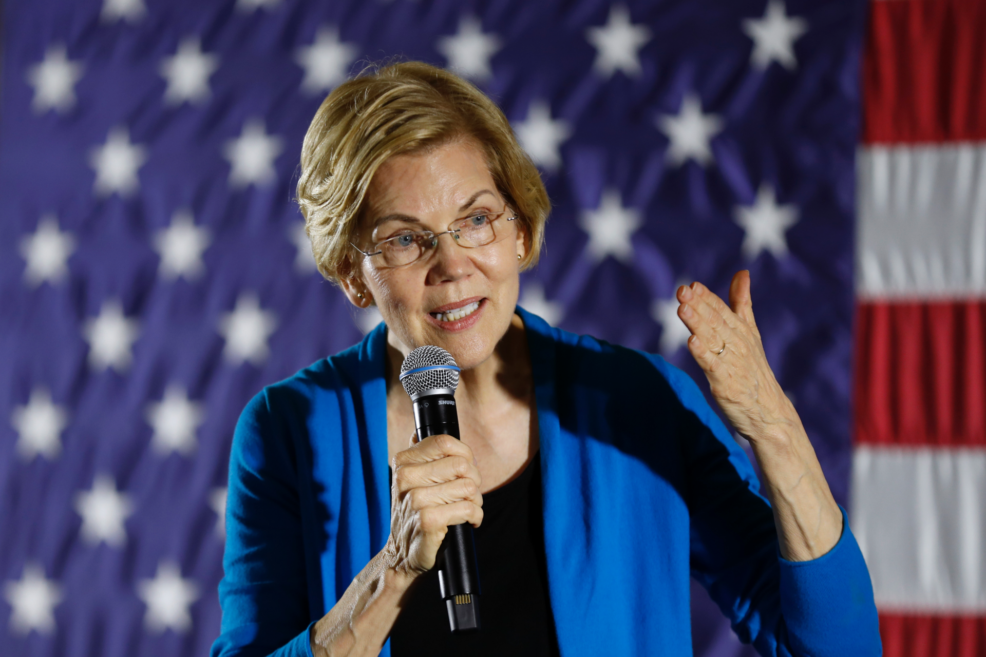 Warren has a spot-on lookalike she met face-to-face